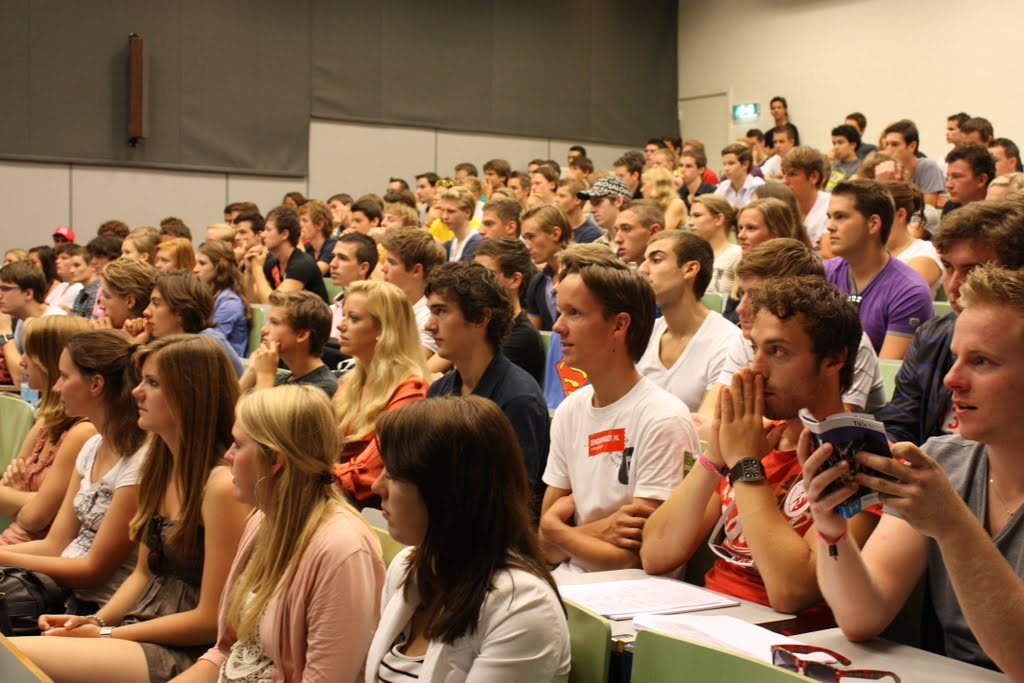 volle_collegezaal